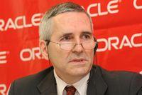 По словам Стефана Руссе, особенность Oracle Direct состоит в инновационности используемых средств коммуникации