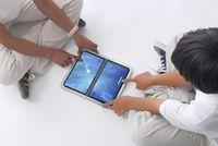 По размерам ноутбук XO-2 почти вдвое меньше нынешнего XO и состоит из двух сенсорных экранов