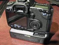 Прототип DMFC для фотоаппаратов обладает вдвое более высокой емкостью по сравнению слитиево-ионными аккумуляторами