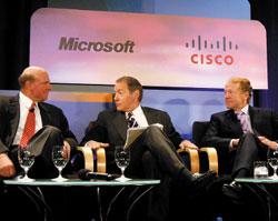 Совместное интервью Стива Балмера иглавы компании Cisco Systems Джона Чамберса, двух тяжеловесов компьютерной индустрии, состоявшееся вНью-Йорке, было посвящено сотрудничеству Cisco иMicrosoft