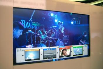 Телевизор на базе Cell компания Toshiba уже показывала в январе на выставке CES в Лас-Вегасе, но сейчас, на IFA, впервые были объявлены сроки его выхода