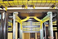 Рисунок 4. Система кабелепроводов — комплекс технических средств для скрытого размещения и упорядочения кабелей всех инженерных систем, включая слаботочную и силовую проводку.
