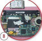 Наносим тонкий слой термоинтерфейса на поверхности кристаллов процессора и южного моста