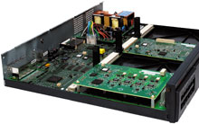 Благодаря модульной структуре сервер Avaya IP Office 500 можно масштабировать, увеличивать производительность и расширять функциональность решения