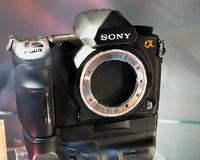 Новую камеру вSony предназначают для людей, серьезно занимающихся фотографией
