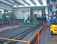 С помощью горизонтально-обрабатывающего фрезерного центра с ЧПУ изготавливаются блоковые и горизонтальные станины печатных машин, устройств намотки и размотки