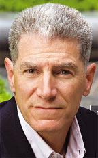 Джон Фон Штайн, ИТ-директор компании The Options Clearing, утверждает, что ИТ-директору не стоит надеяться на получение всех денег, которые он сэкономит для своей организации, но длительное совершенствование «ведет к доверию со стороны финансового директора, операционного директора