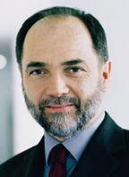 По словам Джозефа Регера, Fujitsu Siemens Computers собирается продемонстрировать на CeBIT решения, основанные на гибкой ИТ-инфраструктуре