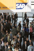 Основной темой европейского форума Sapphire 2008 стала трансформация бизнес-сети компании в глобальную сеть, ее оптимизация, и то, как продукты SAP и Business Objects могут помочь в этом