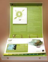 На внутренней обложке папки— пиктограммы, указывающие на особые свойства упаковки, рекомендованные тиражи и те отрасли, где эта технология распространена