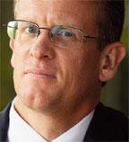 Прекратив аутсорсинг своего «бесполезного отдела», Ричард Тул, ИТ-директор компании PharMerica, повысил качество сервиса. Со временем благодаря этому ему удалось получить отдельный бюджет для ИТ-инноваций.