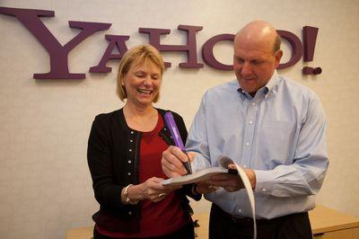 Стив Балмер и Кэрол Бартц попытались объяснить, почему две компании пришли к соглашению только сейчас, хотя переговоры между руководителями двух компаний начались еще год назад