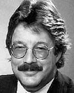 Уинн Швартау— автор трех первых изданий Information Warfare, теоретик информационных войн, основатель InfoWarCon. Его адрес электронной почты: Winn@InfowarCon.Com