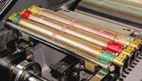 Раскатные валы в тигельных машинах поделены на секции, количество которых соответствует числу печатаемых цветов. Хранить валы следует в специально оборудованном месте, чтобы на них не попала грязь