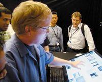 Более всего создатели LaserTouch подчеркивают тот факт, что их новая разработка может работать практически слюбым плоскопанельным дисплеем, втом числе ис проекционным экраном