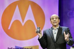 Предыдущий директор Motorola Эд Зандер подал в отставку в конце ноября