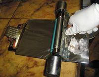 Нанесение грунта при помощи ручной лакировальной секции с анилоксом линиатурой 400 лин/см