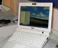 Новая модель ASUS Eee PC имеет дисплей сдиагональю 8,9 дюйма
