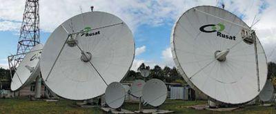 Первая в России многолучевая антенна, одновременно принимающая сигналы с 35 спутников, установлена на главном телепорте «РуСат».