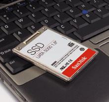 В январе на выставке Consumer Electronics Show компания SanDisk представила свою первую модель твердотельного диска емкостью 32 Гбайт, аспустя полгода она продемонстрировала уже 64‑гигабайтную модель