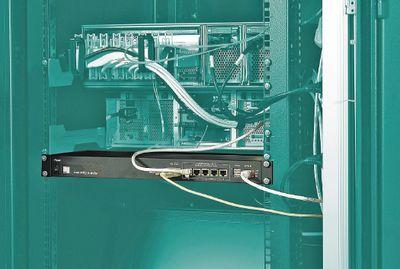Рисунок 3. Как правило, системы мониторинга для шкафов представлены в формате 19″ и интегрированы прямо в шкаф, как в случае с Security Master — продуктом компании May.