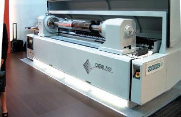 Стенд Daetwyler. Толщина обрабатываемых на устройстве Digilas Gravure & Flexo флексографских форм 0,76–6,35 мм