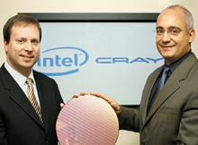 Генеральный менеджер группы серверных платформ Intel Кирк Скауген ипрезидент Cray Питер Унгаро объявляют о начале совместного проекта