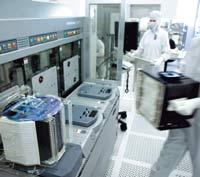 Чистая комната на фабрике AMD Fab 36 вДрездене (Германия)