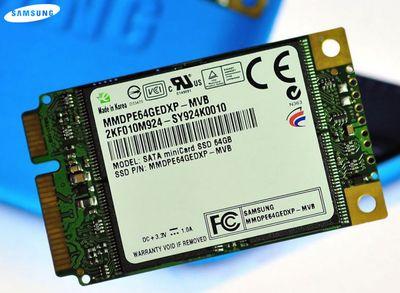 Samsung Mini-Card SSD имеет размеры 46 x 51 мм, а толщина ее составляет всего 3,75 мм