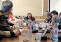 Круглый стол открыл Советник руководителя Федерального агентства по печати и массовым коммуникациям Владимир Григорьев, сообщив, что в ЮНЕСКО была подана заявка— сделать 2010г. годом кириллического шрифта