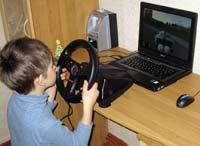 Иногда хочется просто побаловать малыша, например, дать порулить гоночным автомобилем в программе Race