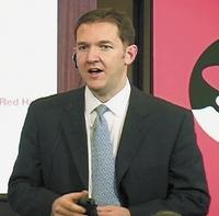 Джим Уайтхерст признал, что широкий круг организаций, которые не стремятся вчисле первых внедрять новые технологии, до сих пор оставались вне поля зрения Red Hat