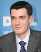 Алексей Нечуятов, менеджер по маркетингу корпоративных продуктов Dell em-EMEA, представил партнерам компании в Санкт-Петербурге маркетинговые программы Direct2Dell и DellVolution