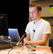 Дэвид ХайнемейерХенссон: «Мы не хотим превращать нашу технологию внечто похожее на Java — этого 'барахольщика', который готов хранить все, что кнему попадает. Мы не боимся отказываться от того, что не подходит, или от того, что, как мы четко понимаем, не нравится пользователям»