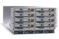 Водно шасси устанавливается до восьми серверов UCS B-Series