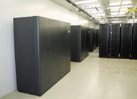 Рисунок 3. Новый ЦОД ISG в Москве, открытый осенью прошлого года, имеет два ввода от независимых подстанций общей мощностью 2,2 МВт. Для обеспечения его бесперебойной работы установлены два ДГУ Wilson мощностью по 1250 кВА и два ИБП Liebert по 800 кВт. Модули ЦОД площадью 200 и 300 м2 оборудованы в бывших складских корпусах промзоны и отвечают требованиям стандарта TIA-942. Этот пилотный проект будет тиражироваться в регионах.