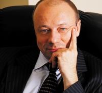 «Сегодня мы можем обмениваться со страховщиками информацией фактически в режиме реального времени», Андрей Лобанов, генеральный директор поликлиники «Медси»