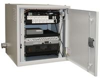 Объектовый концентратор информации представляет собой программно-аппаратный модуль, заключенный в вандалозащищенный корпус.