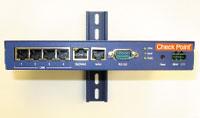 Рисунок 2. Версия UTM-1 Industrial от Check Point с питанием от постоянного тока рассчитана на работу в тяжелых условиях электромагнитных помех, повышенных температур и вибрации.
