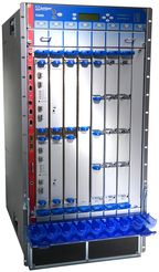 В единый виртуальный узел уровня ядра сети можно объединить до 16 маршрутизаторов T1600
