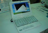 У мининоутбуков две беды — неудобная клавиатура и маленький экран; в E-Lead Electronic решили справиться с обеими