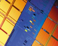 Всего планируется наладить производство 15 моделей процессоров, изготавливаемых по технологии 45 нм. По сравнению ссуществующими все новые процессоры Penryn будут иметь транзисторы, срабатывающие на 20% быстрее, иотличаться пониженными параметрами утечки тока