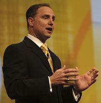 Боб Пиччиано: «Alloy, созданный IBM и SAP, разработан с целью помочь индивидуальным пользователям и предприятиям работать более эффективно в сегодняшнем мире, требующем быстрой адаптации к изменениям»