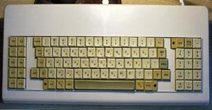 Советские клавиатуры учитывали количество букв врусском алфавите исодержали клавиши для переключения раскладок
