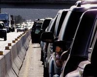 По данным компании Tandberg, жители российской столицы проводят вавтомобильных пробках всреднем около трех-четырех часов ежедневно. Это ведет ксуммарным убыткам до20млрд. долл. ежегодно