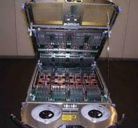 По оценкам специалистов IBM, водяное охлаждение в 4000 раз эффективнее воздушного, что позволяет корпорации помещать 448 процессорных ядер Power6 с тактовой частотой 7 ГГц в стойку Power 575